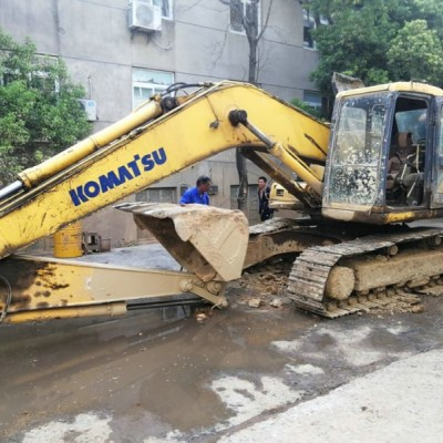 小松挖掘机维修
